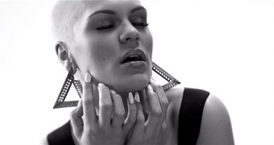 Jessie J – WILD ft. Big Sean, Dizzee Rascal wearing The Scott Wilson x AQ/AQ Gold Logo earrings for her new single WILD